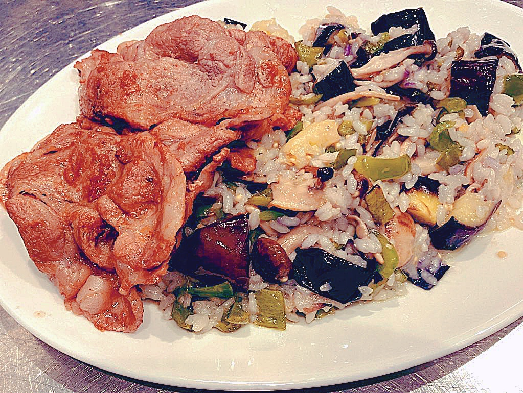 季節野菜のリゾットとオレンジ風味のポークジンジャー